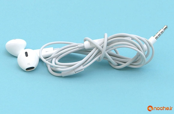how-to-keep-your-iphone-headphones-from-getting-tangled